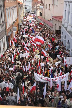 Polacy w Wilnie, Źródło: http://www.tygodnik.lt/